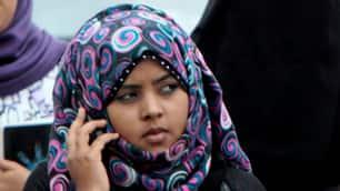 http://www.cbc.ca/gfx/images/news/topstories/2011/01/28/tp-cellphone-egypt-ap-7985801.jpg
