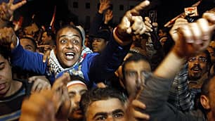Protesters in Cairo cheer news that Egyptian President Hosni Mubarak has resigned.