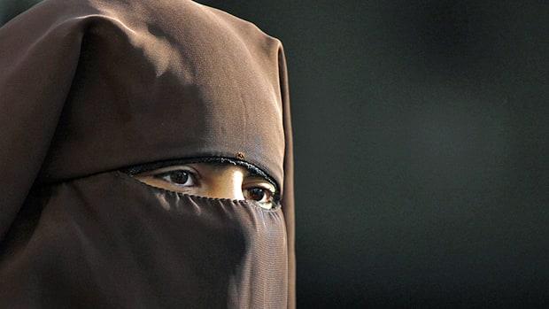 warum tragen frauen burka
