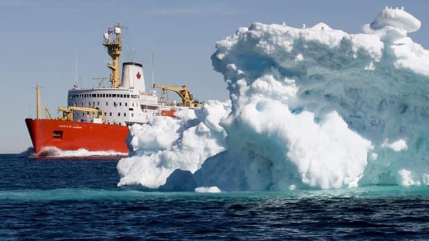 """Что мешает рыбакам и что там в """"ледяном мешке"""" Арктики?"""