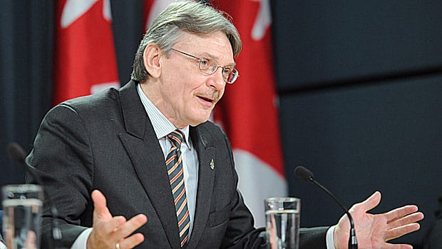 A closed-door discussion over whether to end the study into Canada's F-35 purchase has led to a verbal battle between the committee's NDP chairman David Christopherson and the sole Liberal member over the rules.