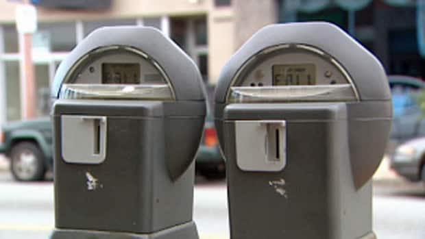A new hand-held device will issue parking tickets with photographic evidence, such as expired parking meters, in Windsor, Ont.