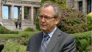 Chilliwack MLA John Les is the latest B.C. Liberal to announce he will not run in the May provincial election.