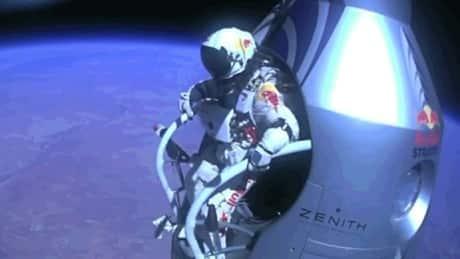 Saut en Parachute à......39 km d'altitude Hi-baumgartner-outside-step-6col