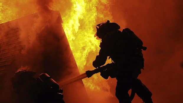 how to become a volunteer firefighter canada