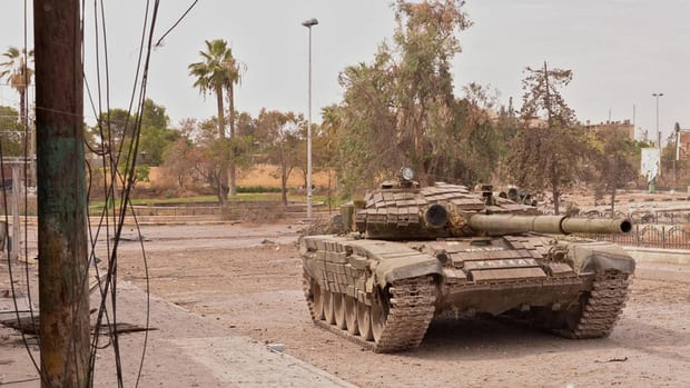 http://www.cbc.ca/gfx/images/news/topstories/2012/12/12/hi-syrian-tank-852-8col.jpg