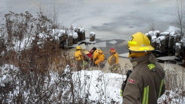 Thunder Bay emergency workers rescued a deer Thursday morning from the Kaministiquia River near the James Street Swing Bridge.