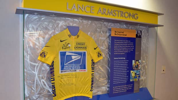 Lance Armstrong's Tour de France jersey has been on display at Thunder Bay's cancer centre since 2006. Some patients say they'd like it taken down.