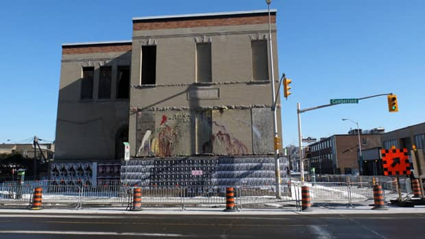 This building at 287 Cumberland St. in Lowertown could soon collapse, according to an engineer's report to the City of Ottawa, so the city installed hoarding and closed a lane of traffic.