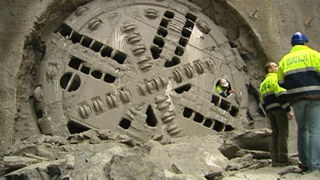 Canada Line foreign workers win wage settlement