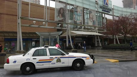Metrotown re-opens after suspicious package scare