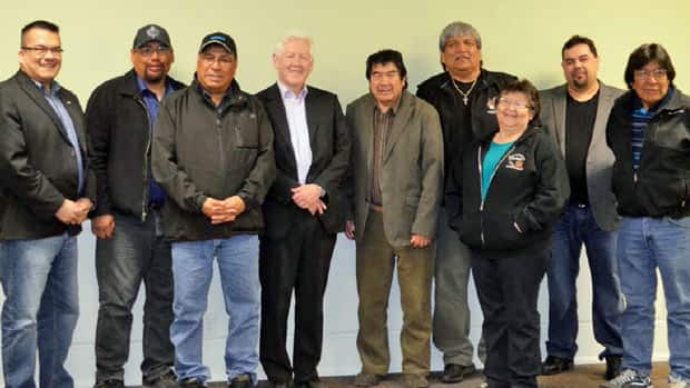 The Matawa Chiefs Council announced Friday that Bob Rae, former federal leader of the Liberal Party and former Premier of Ontario, will be chief negotiator for Matawa First Nations during regional strategy negotiations with Ontario. Pictured from left to right are Chief Johnny Yellowhead-Nibinamik First Nation, Chief Harry Papah-Eabametoong First Nation, Chief Cornelius Wabasse, Webequie First Nation, The Honorable Bob Rae, Chief Allan Towegishig-Long Lake #58, Chief Sonny Gagnon-Aroland First Nation, Chief Celia Echum-Ginoogaming First Nation, Chief Roger Wesley-Constance Lake First Nation, and Chief Peter Moonias-Neskantaga First Nation.