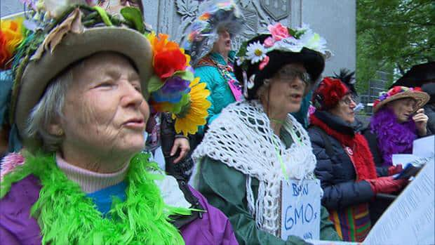 CBCNews – Protesters March Against GMO Giant Monsanto In 430 Cities – 26 May 2013 Hi-monsanto-2-852-8col