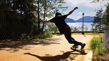 'People don't need to ride dangerously,' says longboarder