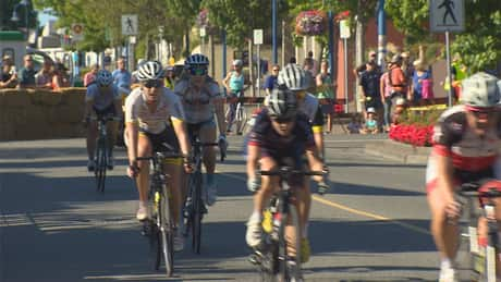 White Rock cyclists support women's event in Tour de France
