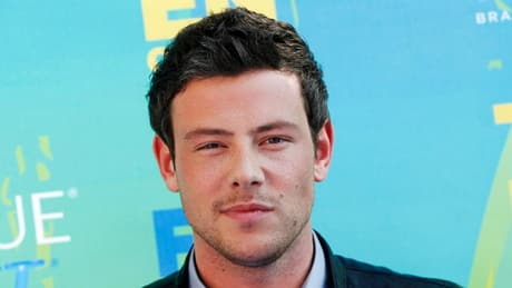 Cory Monteith memorial outside Vancouver hotel grows
