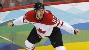 Sidney Crosby celebrates