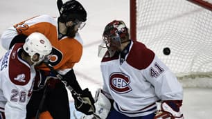Flyers Hammer Canadiens In Game 1