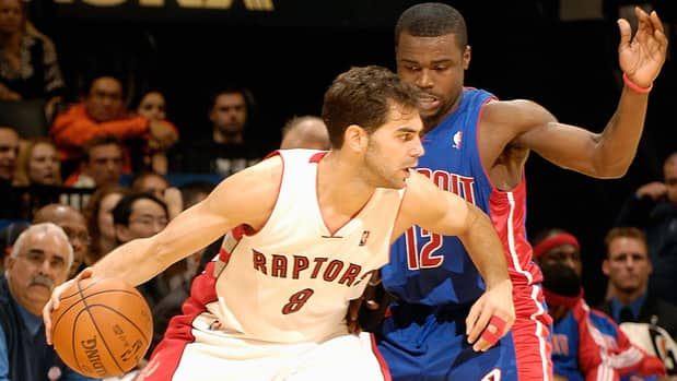 Jose Calderon (8) and the Raptors play host to Will Bynum and the Pistons on Wednesday.