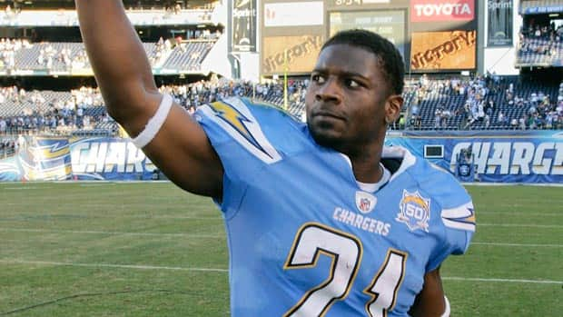 LaDainian Tomlinson acknowledges the crowd at San Diego's Qualcomm Stadium in 2009, his last season as a Charger.
