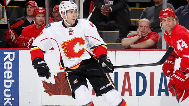 Brendan Morrison, an unrestricted free agent who split last season between the Flames and Blackhawks, remains unsigned.