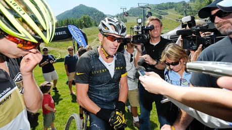 11 teammates blow whistle on Lance Armstrong