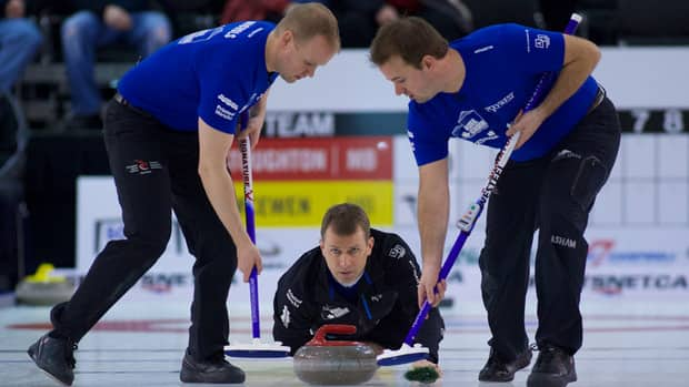 Jeff Stoughton's Winnipeg rink is 1-2 at the National Grand Slam of Curling.
