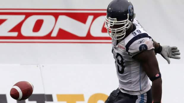 Defensive end Ronald Flemons tallied 18 tackles and four quarterback sacks in fifteen regular season games last year with the Argonauts.