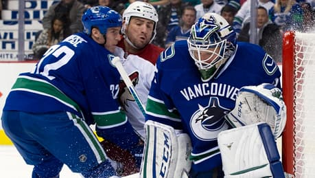 Canucks try to put squeeze on Coyotes