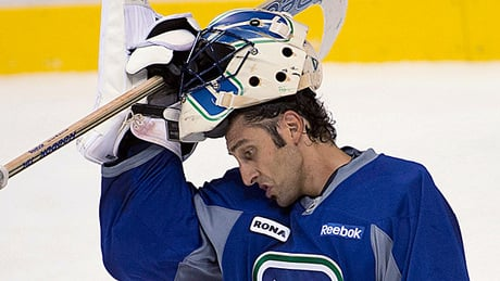 Crucial days ahead for Canucks in pursuit of Luongo trade