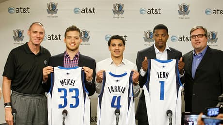 Mavs hire Rockets executive as new general manager