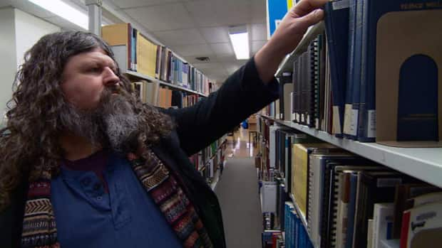Public library helps homeless man get off the street and get a university degree