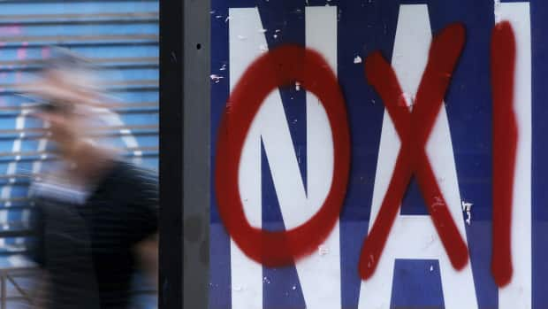 Money - Polls show tight race leading to EU referendum in Greece