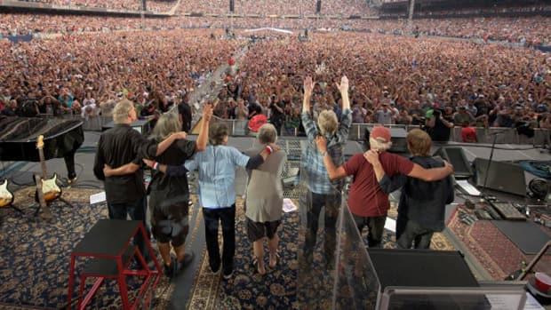 News - The Grateful Dead's grand farewell