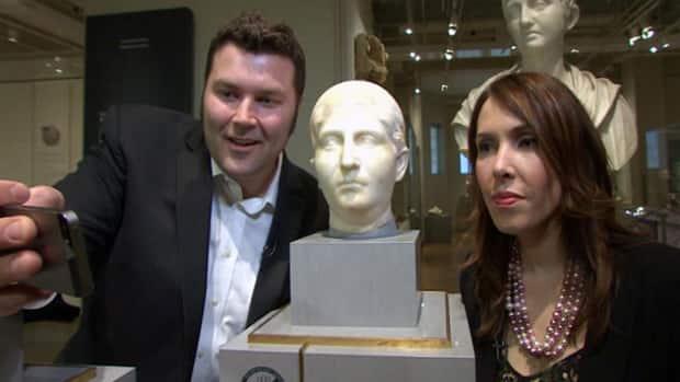 The National - Debate over museum selfies