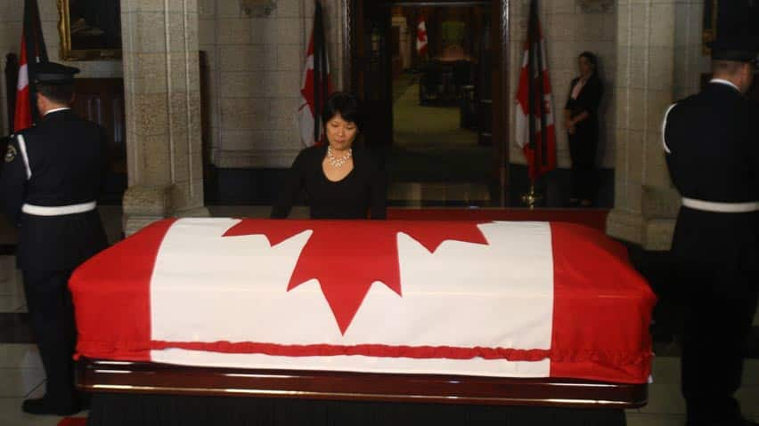 Jack Layton lying-in-state in the foyer of the House of Commons