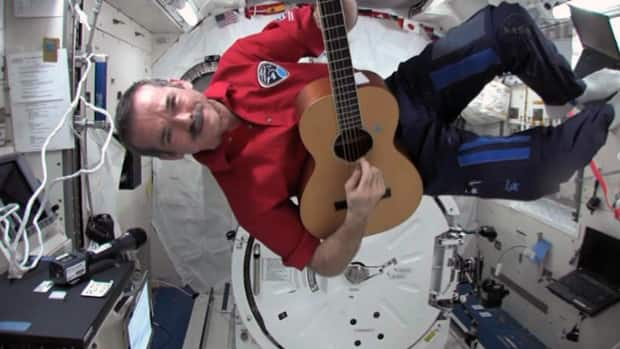 Science - Hadfield's space singalong