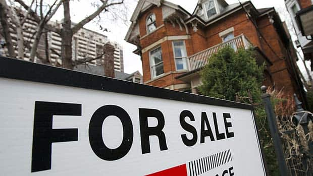 The number of homes sold in Canada decreased by almost 16% in February compared to last year, while the average price lost about 1%