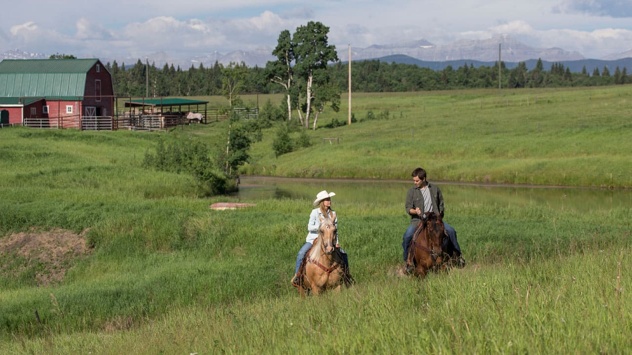 It's no trick - another new episode of Heartland airs ...