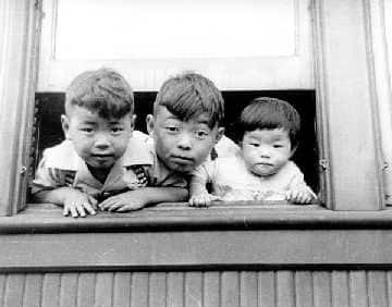 japanese canadian internment during the second The majority of people believe that the internment of japanese canadians this thorn in canada's side is the japanese internment which took place during the second.