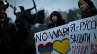 Thumbnail image for girls against Russian military innterfention in Crimea.jpg