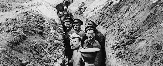 28th October 1914: British soldiers lined up in a narrow trench during World War I. (Photo by Hulton Archive/Getty Images)