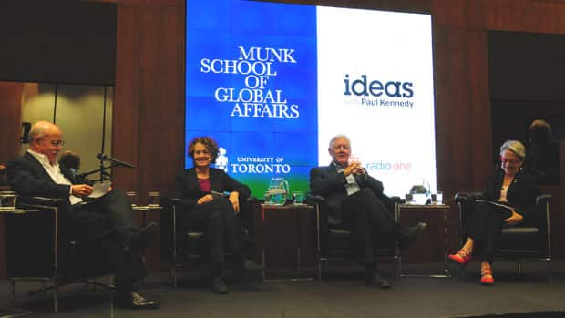 Left to right: Jeremy Rifkin, Anita McGahan, Bob Rae and Janice Stein talking about the Sharing Economy and Public Good at Munk School of Global Affairs. (Photo credit: Greg Kelly)