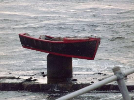 stuck boat.jpg