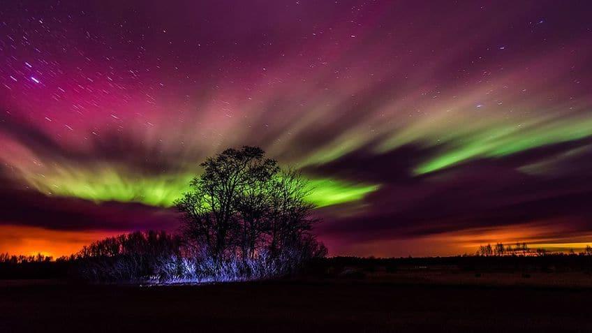 a multi colour aurora borealis over Estonia