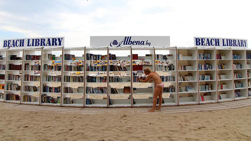A library on the beach!