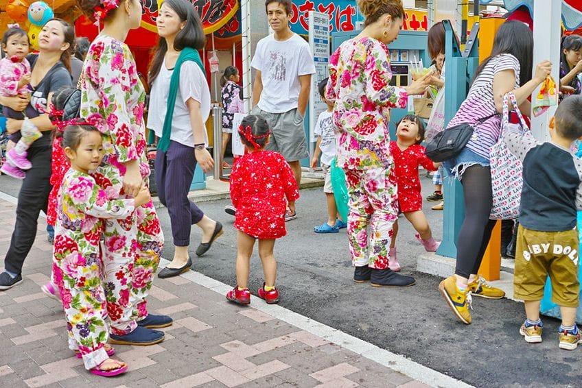 families at a summer festivals