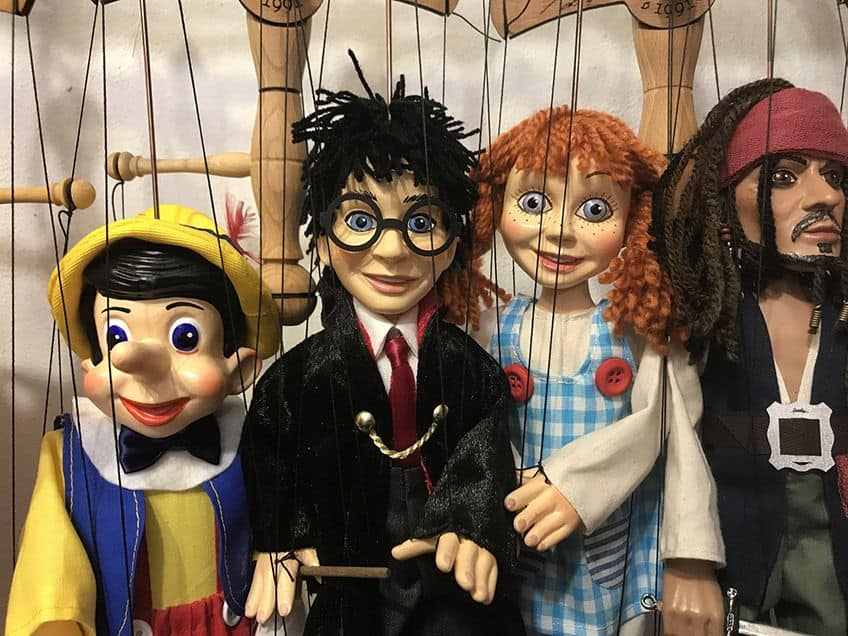 marionettes of famous characters like Harry Potter