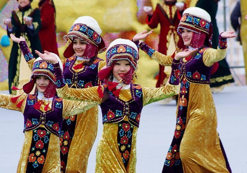 traditional Kazah dancers