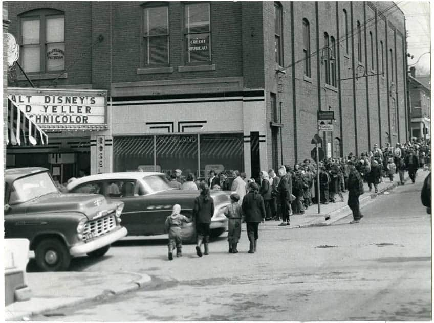 A picture of the Roseland Theatre taken around the time Viola Desmond stood up for her rights.